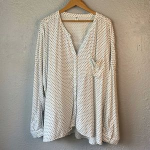 Old Navy Buttoned Down Blouse XXL